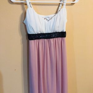 Sweet storm white and pink dress